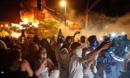 """Ruch aktywistów ,,Black Lives Matter"""" nie przejmuje się czarnymi ludźmi"""